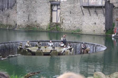Le puy du fou le blog de l 39 cole anatole france d 39 albert - Recherche sur les chevaliers de la table ronde ...