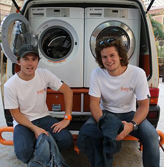 dans la s rie soyons solidaires la laverie ambulante solidaire en australie futsolidaire. Black Bedroom Furniture Sets. Home Design Ideas